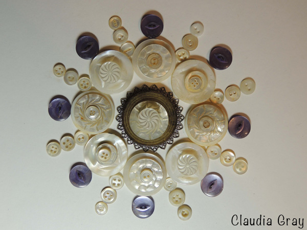 1-claudia-button
